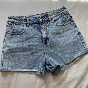 Bullhead Mom Shorts